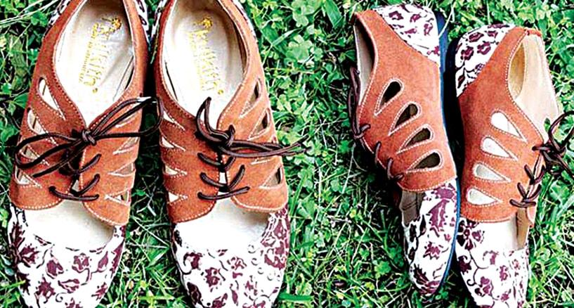 jejak sepatu batik