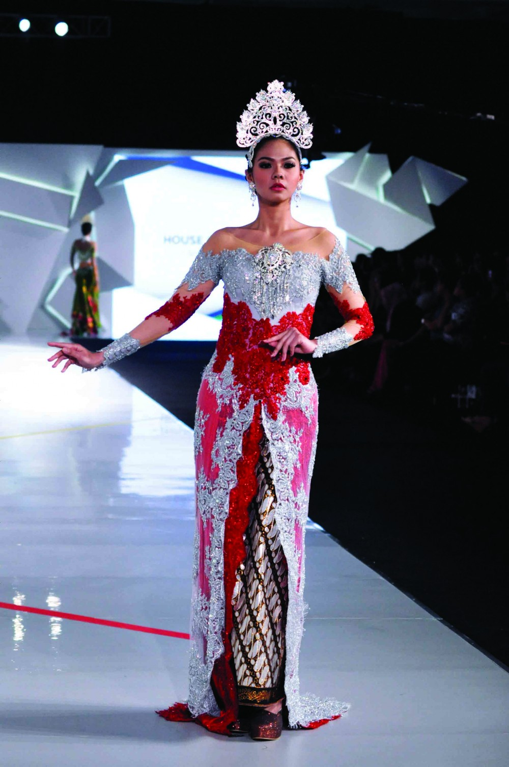 Batik Fashion - Model Baju Batik Kebaya Asri Welas