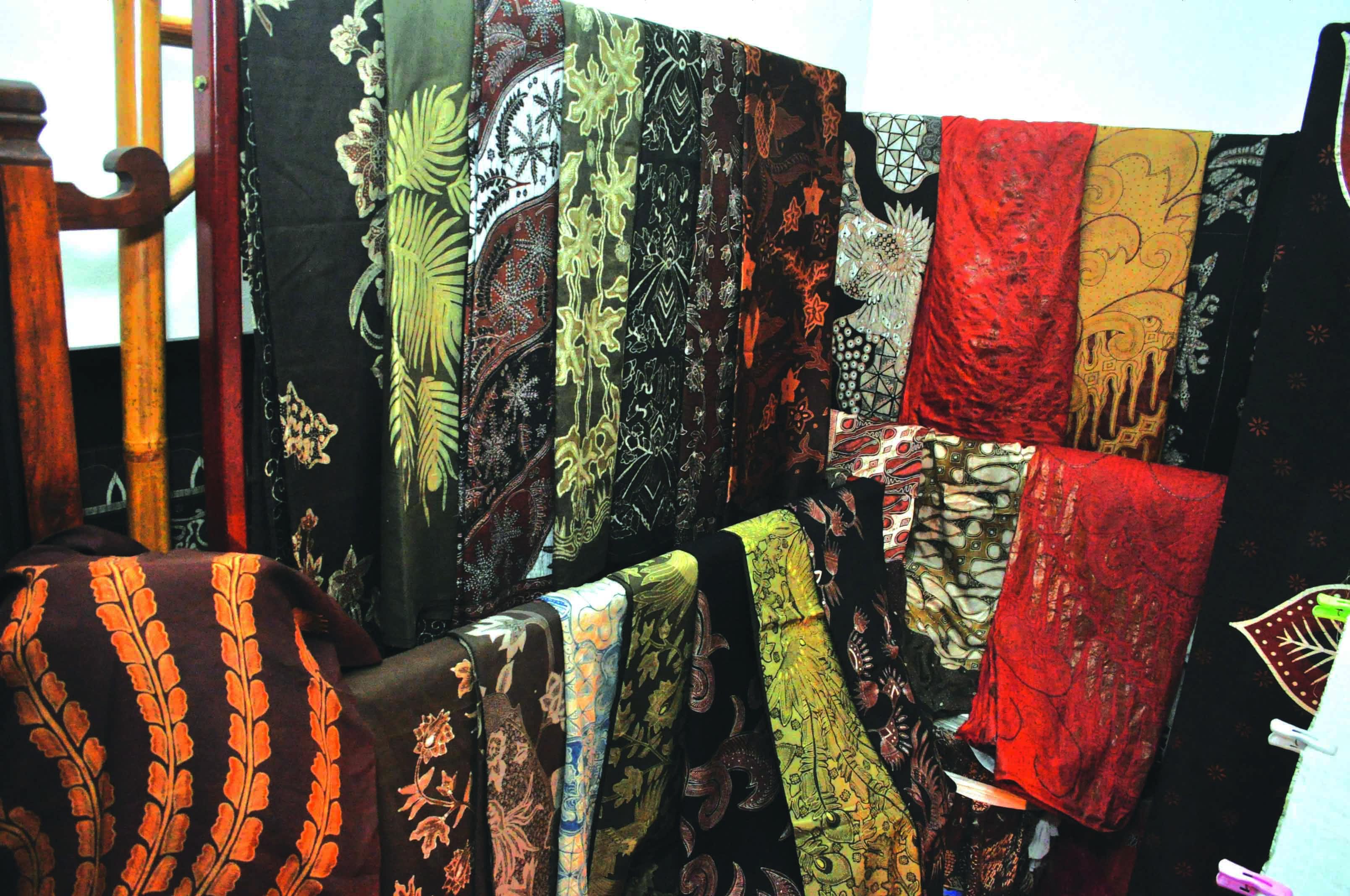 warlami batik pohon kemang jakarta selatan