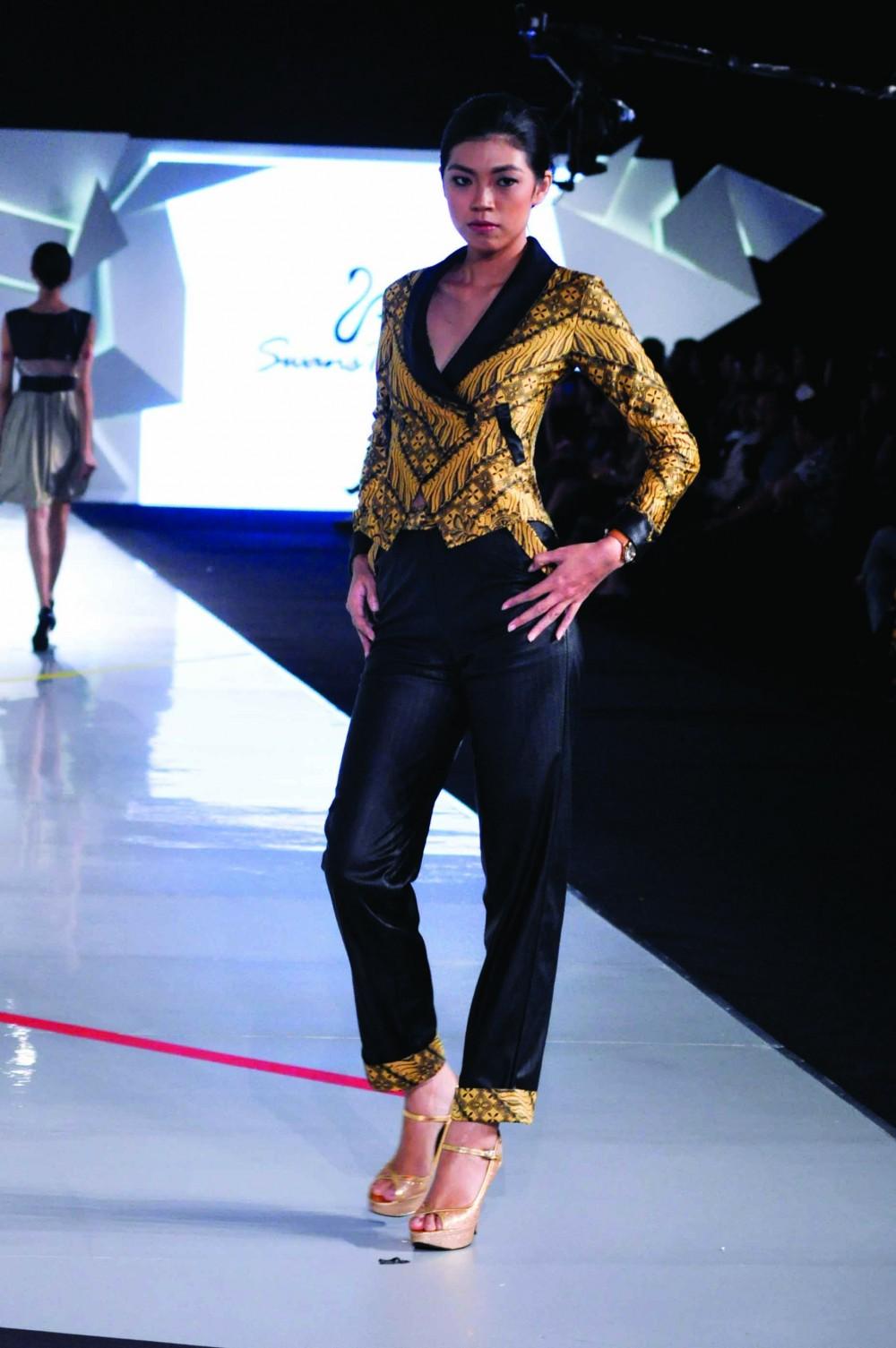 Batik Fashion - Baju Batik Wanita Swan Twenty